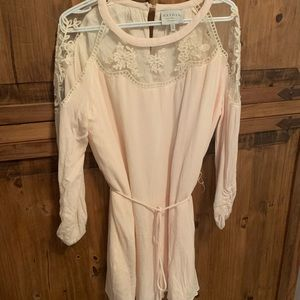Vici dress with lace